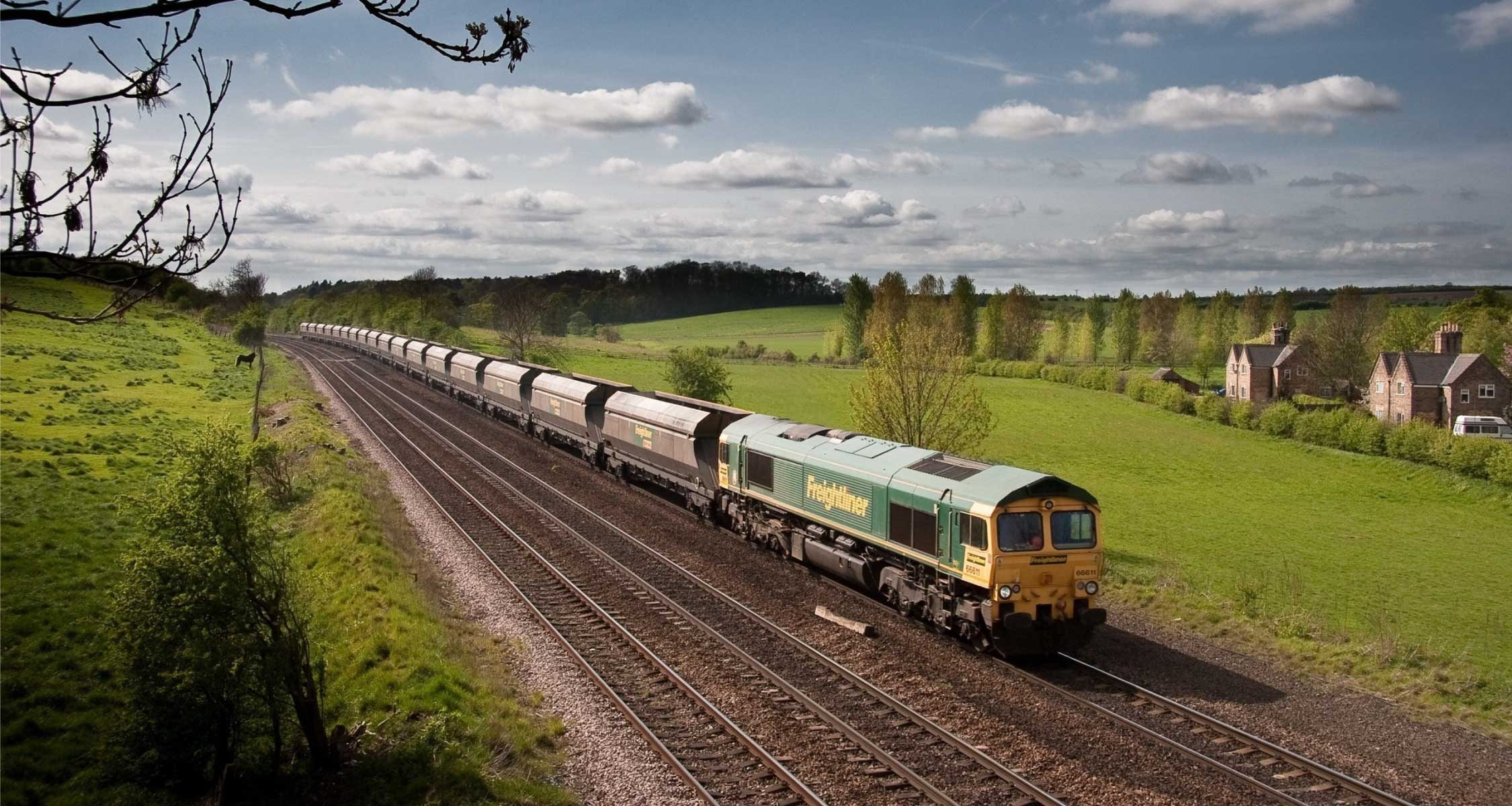 Network rail Specify Postsaver For All Trackside Fencing