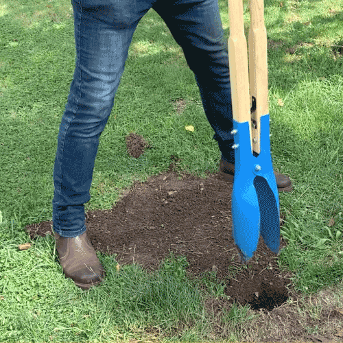 Homeowners Fencing Guide - Pro-Tips - Use Fencing Spade