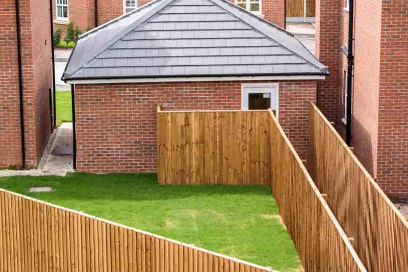 New build feather-board fencing